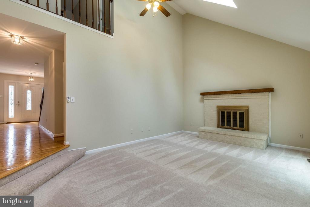 Cathedral ceiling and fan is just fantastic! - 9820 WESTWOOD MANOR CT, BURKE