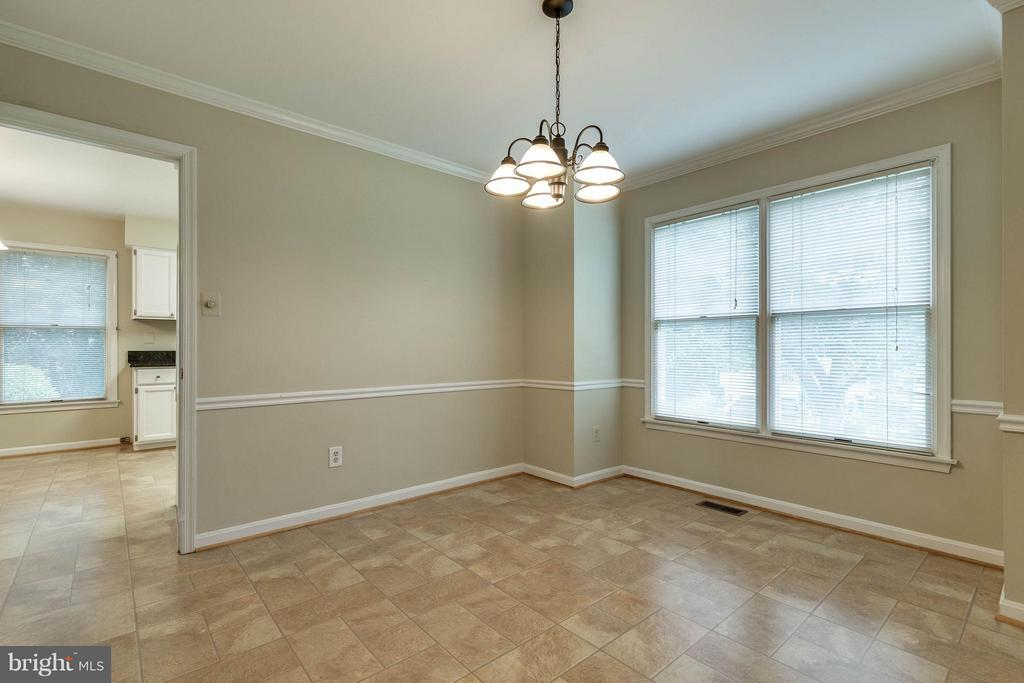Convenient to both the kitchen  and living room - 9820 WESTWOOD MANOR CT, BURKE