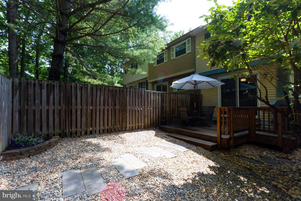 Exterior (Rear) - 11564 IVY BUSH CT, RESTON