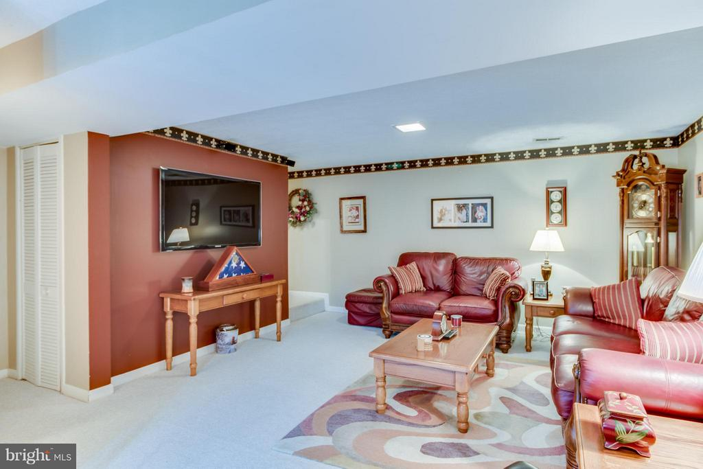 Basement Rec Room - 14376 SPRINGBROOK CT, WOODBRIDGE