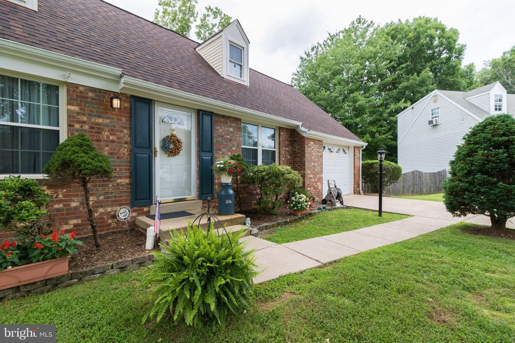 Brick front! - 14376 SPRINGBROOK CT, WOODBRIDGE