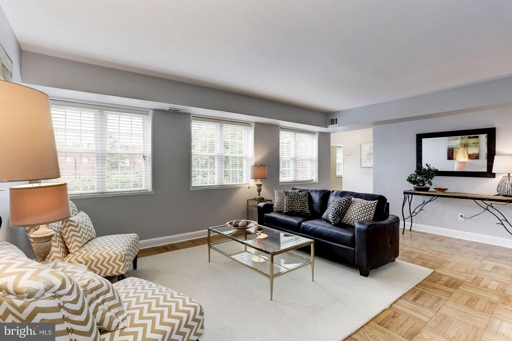 Large 1 bedroom in Rosslyn! - 1336 ODE ST #16, ARLINGTON