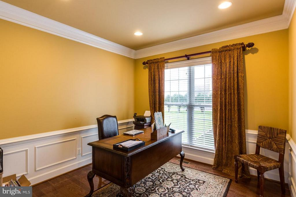 Office with Stunning Views of Private Wooded Lot - 21135 WHITE CLAY PL, LEESBURG