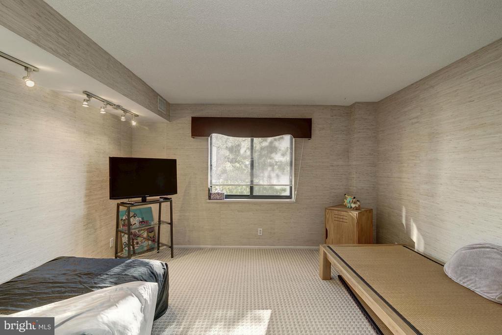 Bedroom 3 - 5904 MOUNT EAGLE DR #118, ALEXANDRIA