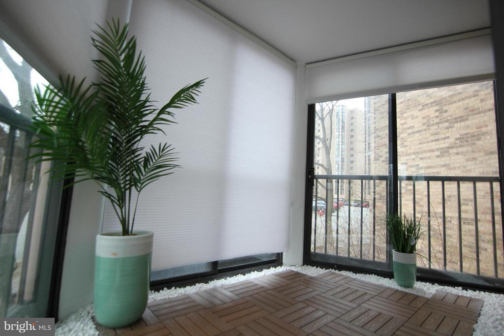 Master Bedroom Balcony - 5904 MOUNT EAGLE DR #118, ALEXANDRIA
