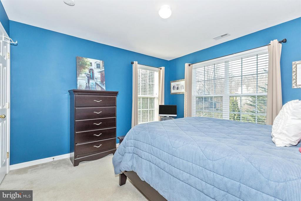 Large 3rd bedroom! - 6653 SOUTH CLIFTON RD, FREDERICK