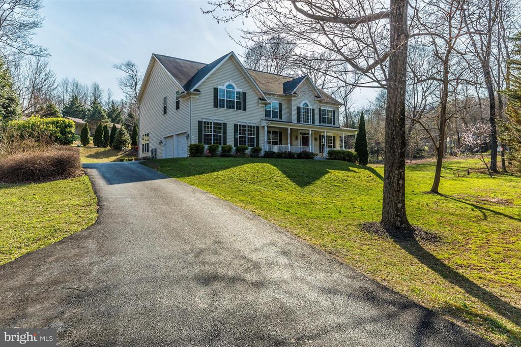 Mature trees, tons of parking. - 6653 SOUTH CLIFTON RD, FREDERICK