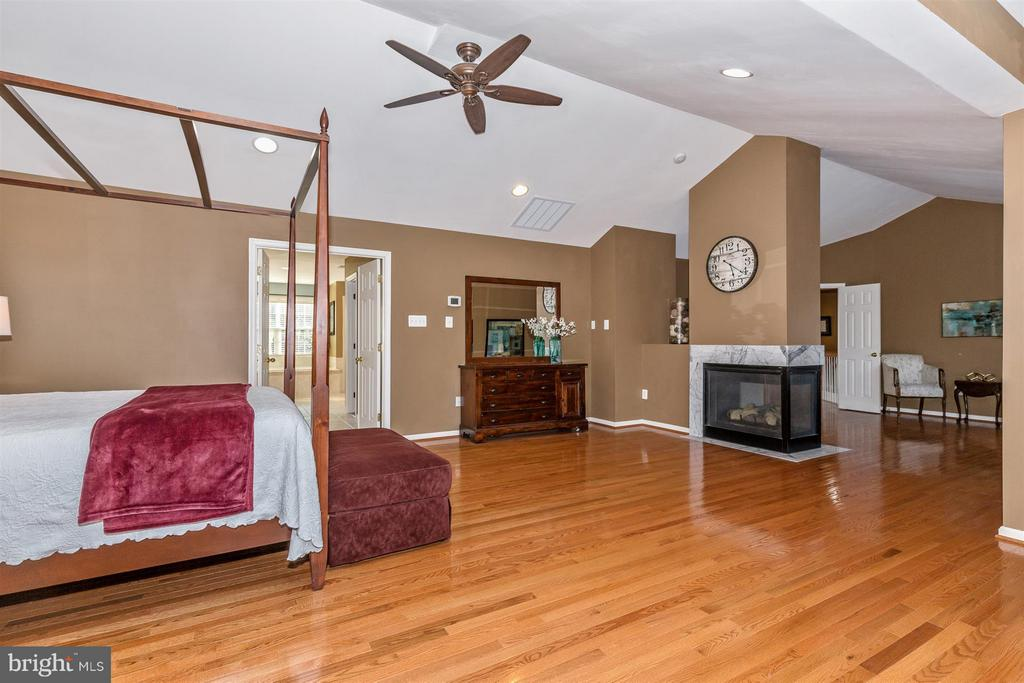 Keep cozy on cold nights with the gas fireplace! - 6653 SOUTH CLIFTON RD, FREDERICK
