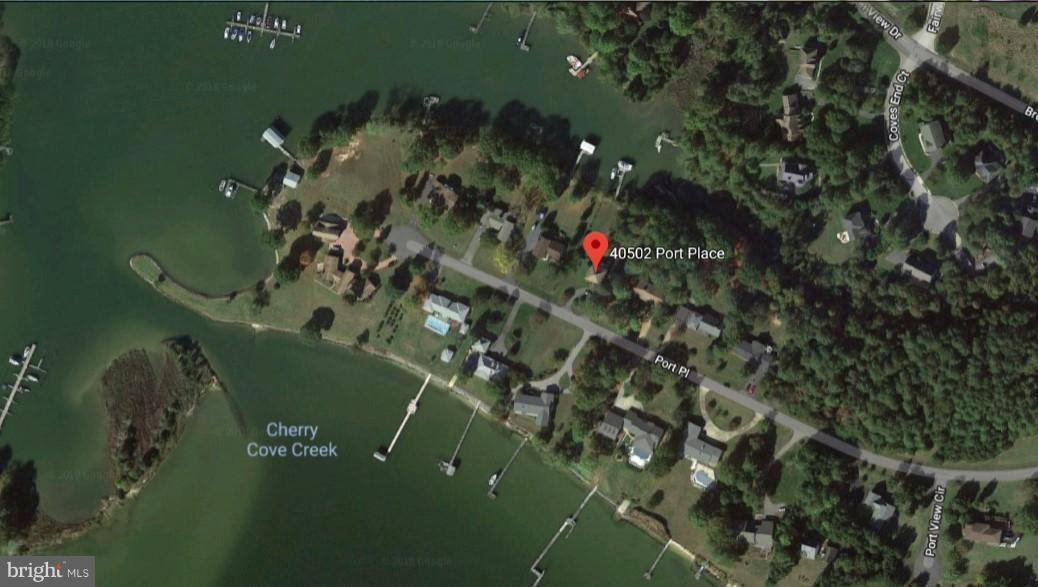 Photo of home for sale at 40502 Port Place W, Leonardtown MD