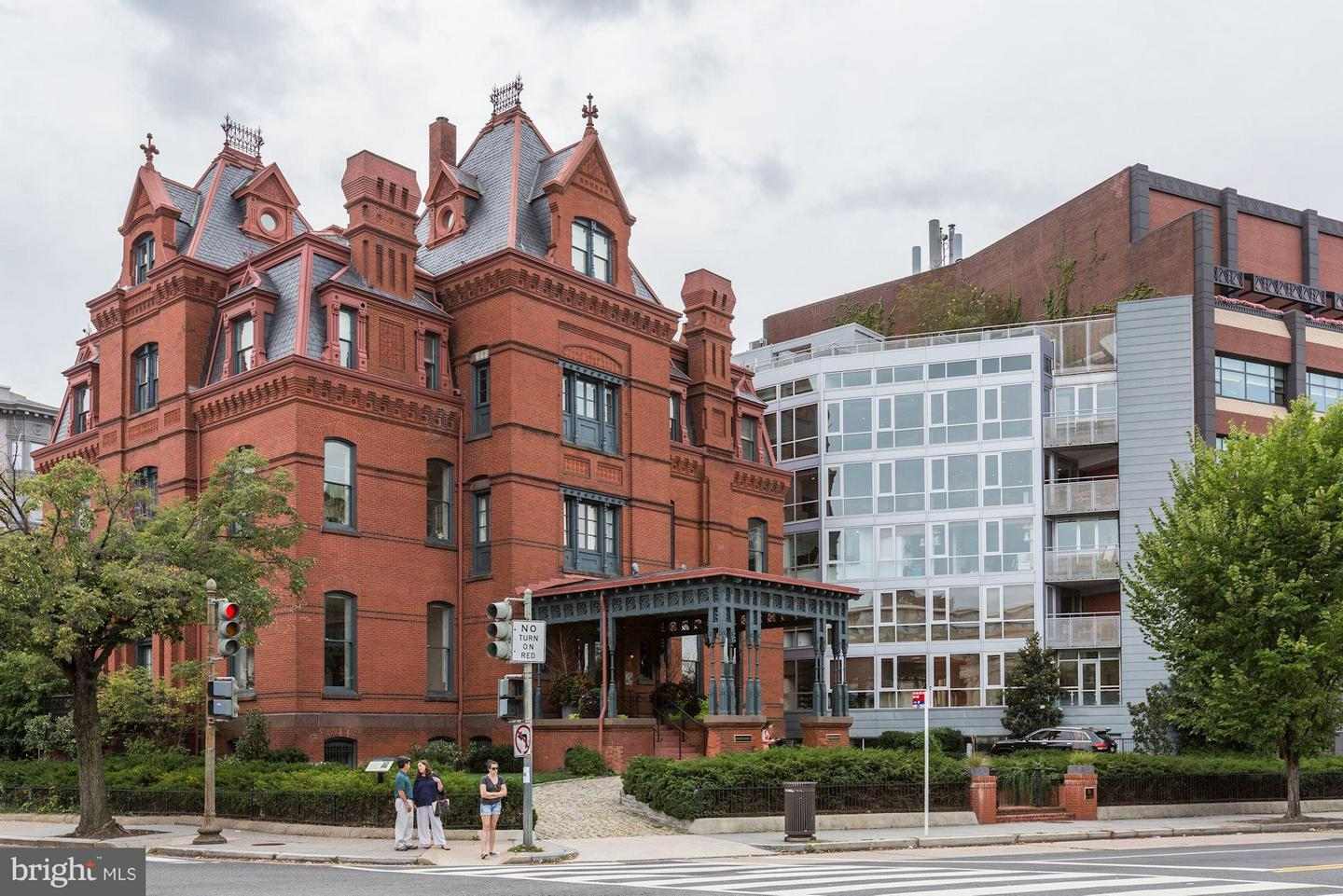 Single Family Home for Sale at 2002 Massachusetts Ave Nw #Penthouse 4 2002 Massachusetts Ave Nw #Penthouse 4 Washington, District Of Columbia 20036 United States