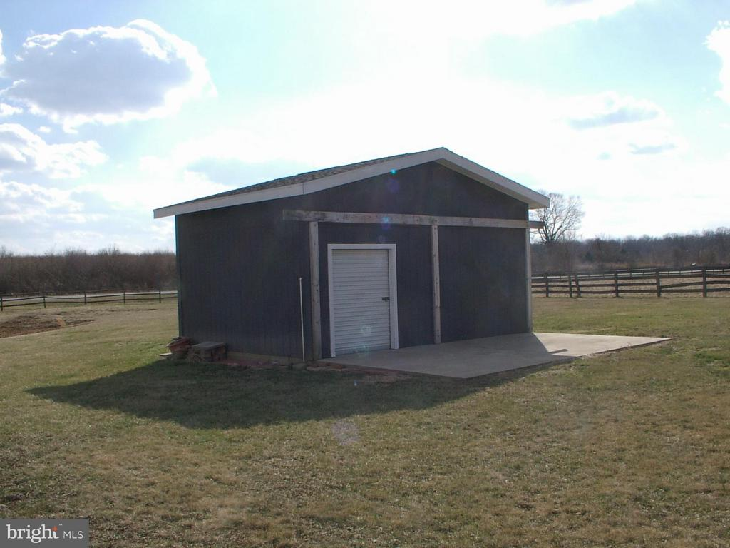 Nice 16X21 shed,stall, or workshop wElectric - 1919 WITHERS LARUE RD., BERRYVILLE