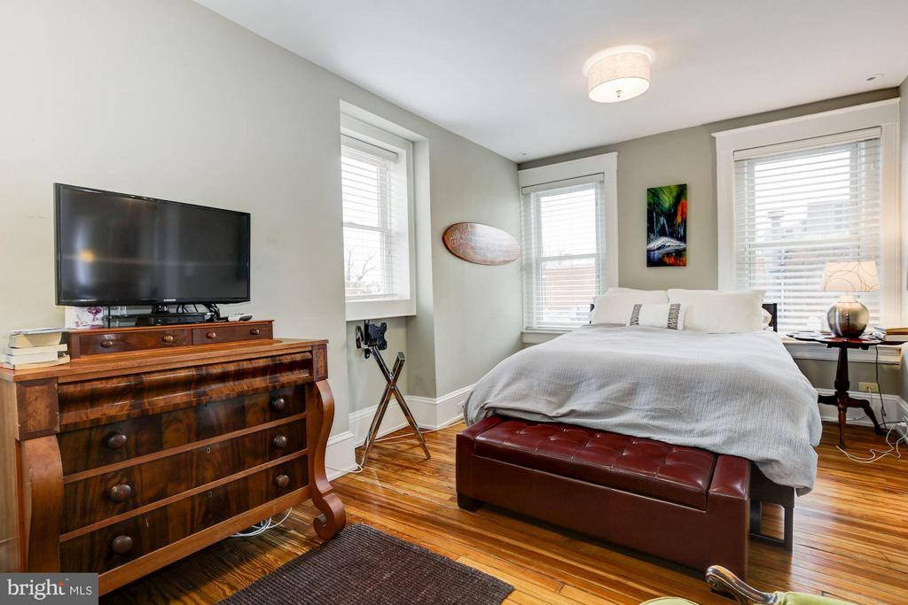 3rd Floor Bedroom - 506 A ST SE, WASHINGTON