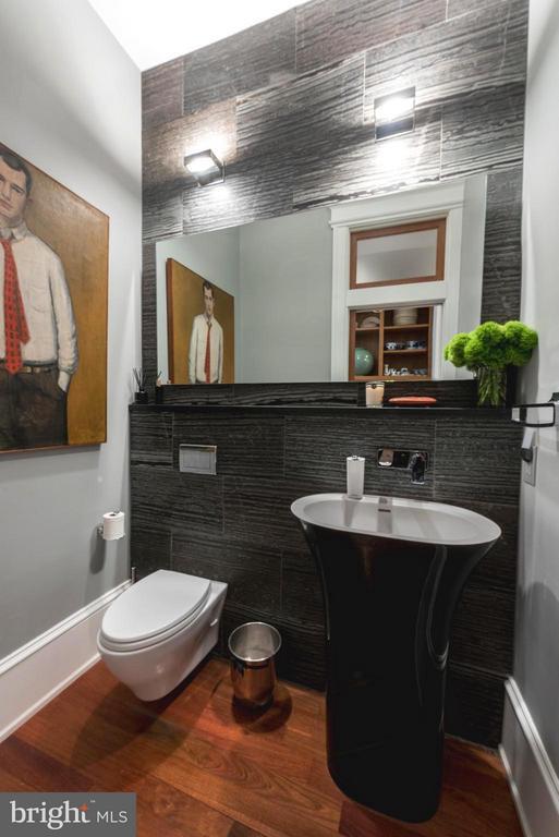 Main Floor Powder Room - 506 A ST SE, WASHINGTON