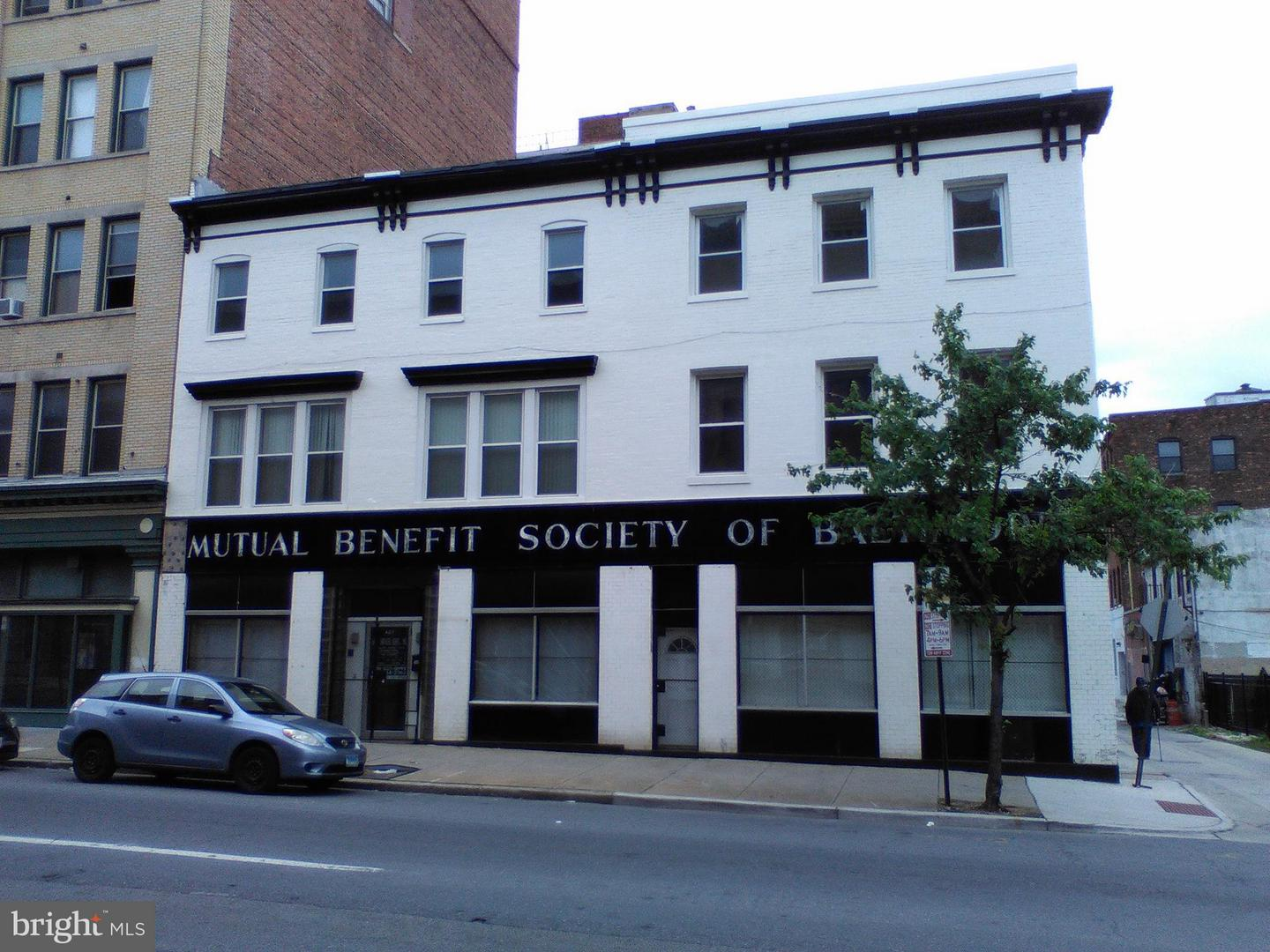 Commercial for Sale at 407 Franklin St W Baltimore, Maryland 21201 United States
