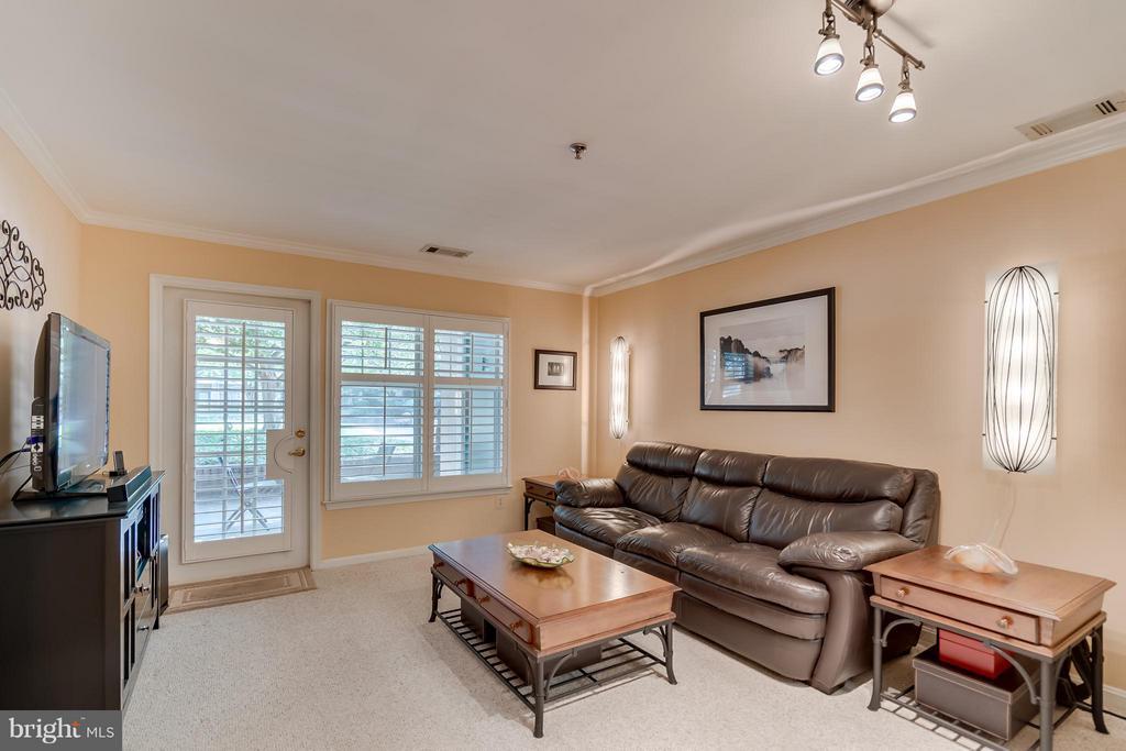 Living Room - 5575 SEMINARY RD #115, FALLS CHURCH