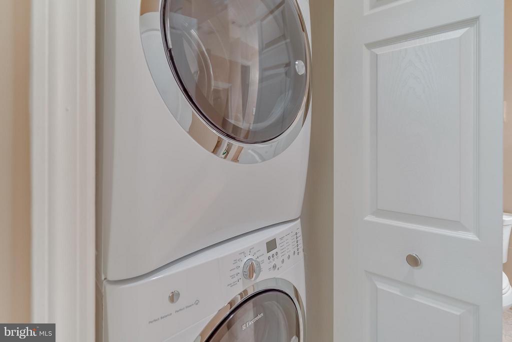 Washer/Dryer - 5575 SEMINARY RD #115, FALLS CHURCH
