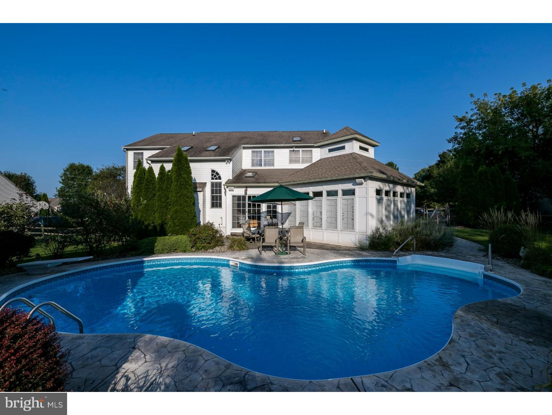 独户住宅 为 销售 在 349 BLACKSMITH Road Douglassville, 宾夕法尼亚州 19518 美国