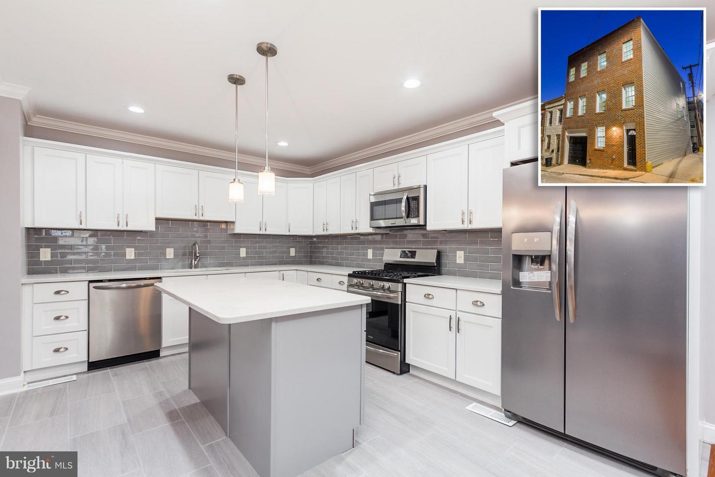 Single Family for Sale at 220 Duncan St S Baltimore, Maryland 21231 United States