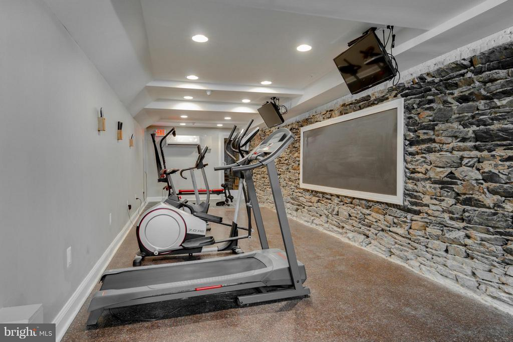 LL Exercise Area - 9 E 2ND ST #2B, FREDERICK