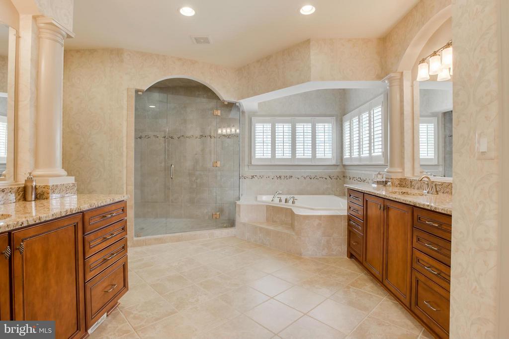Bath (Master) - 12651 HIDDEN HILLS LN, FREDERICKSBURG