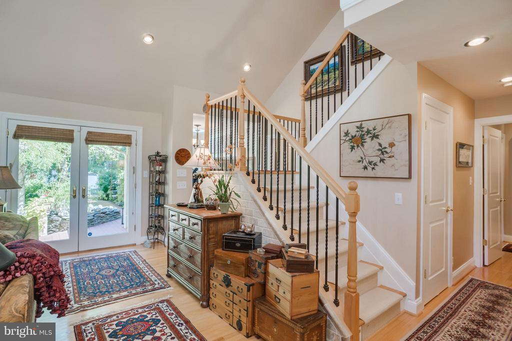 Steps going up to 2 bedrooms and bath - 402 HAPPY CREEK RD, LOCUST GROVE