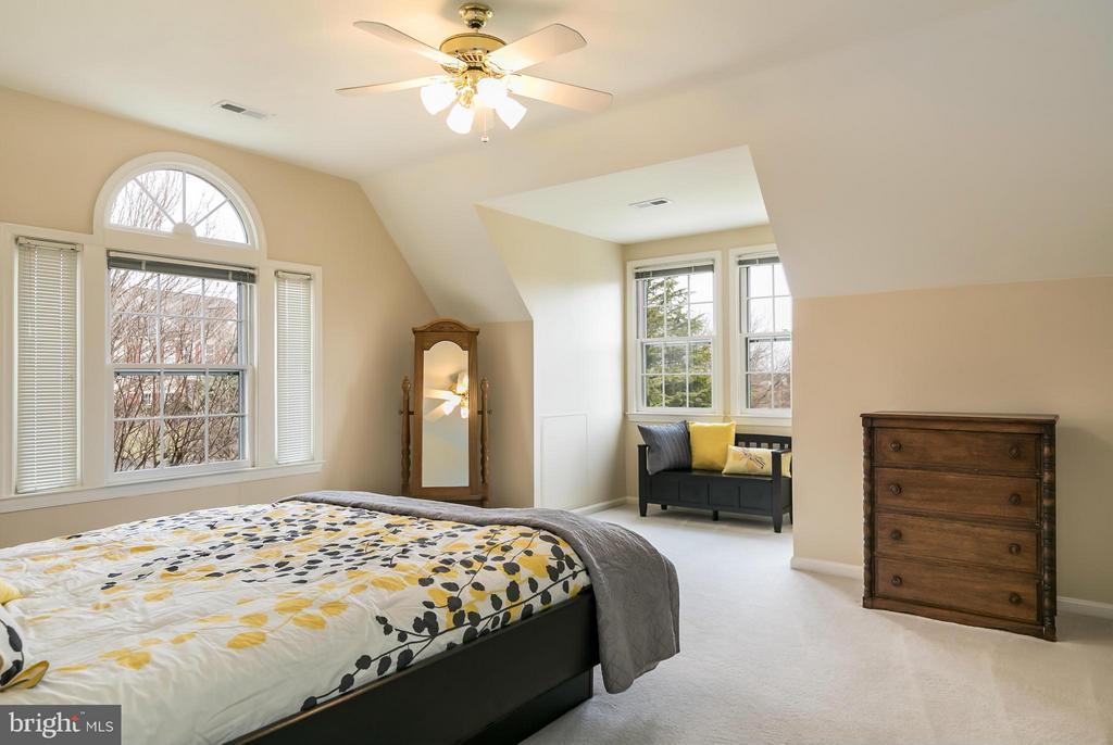 Bedroom #4 - 42001 RASPBERRY DR, LEESBURG