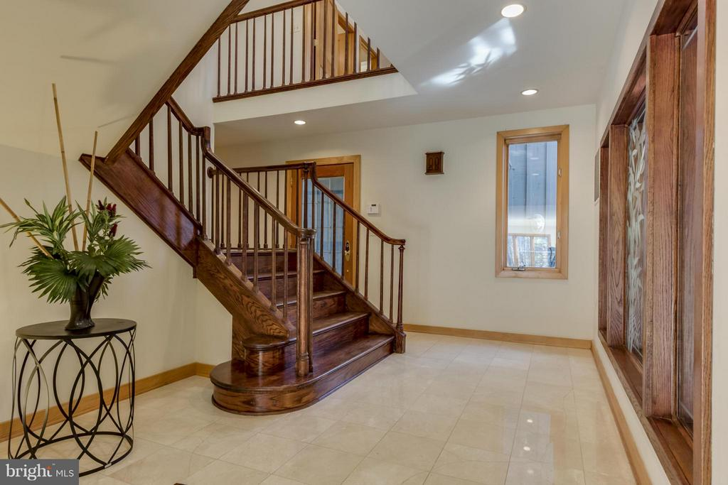 Entry Foyer - 10722 FAWN DR, GREAT FALLS