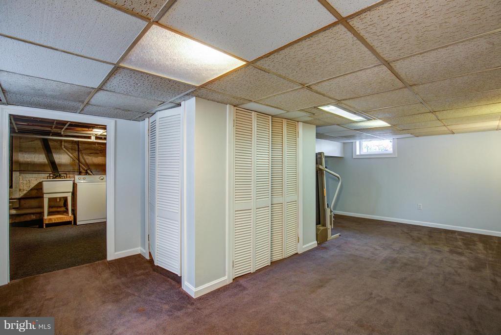 Family Room - 301 MILLER ST, WINCHESTER