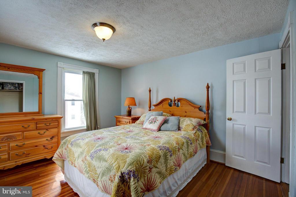 Bedroom (Master) - 301 MILLER ST, WINCHESTER