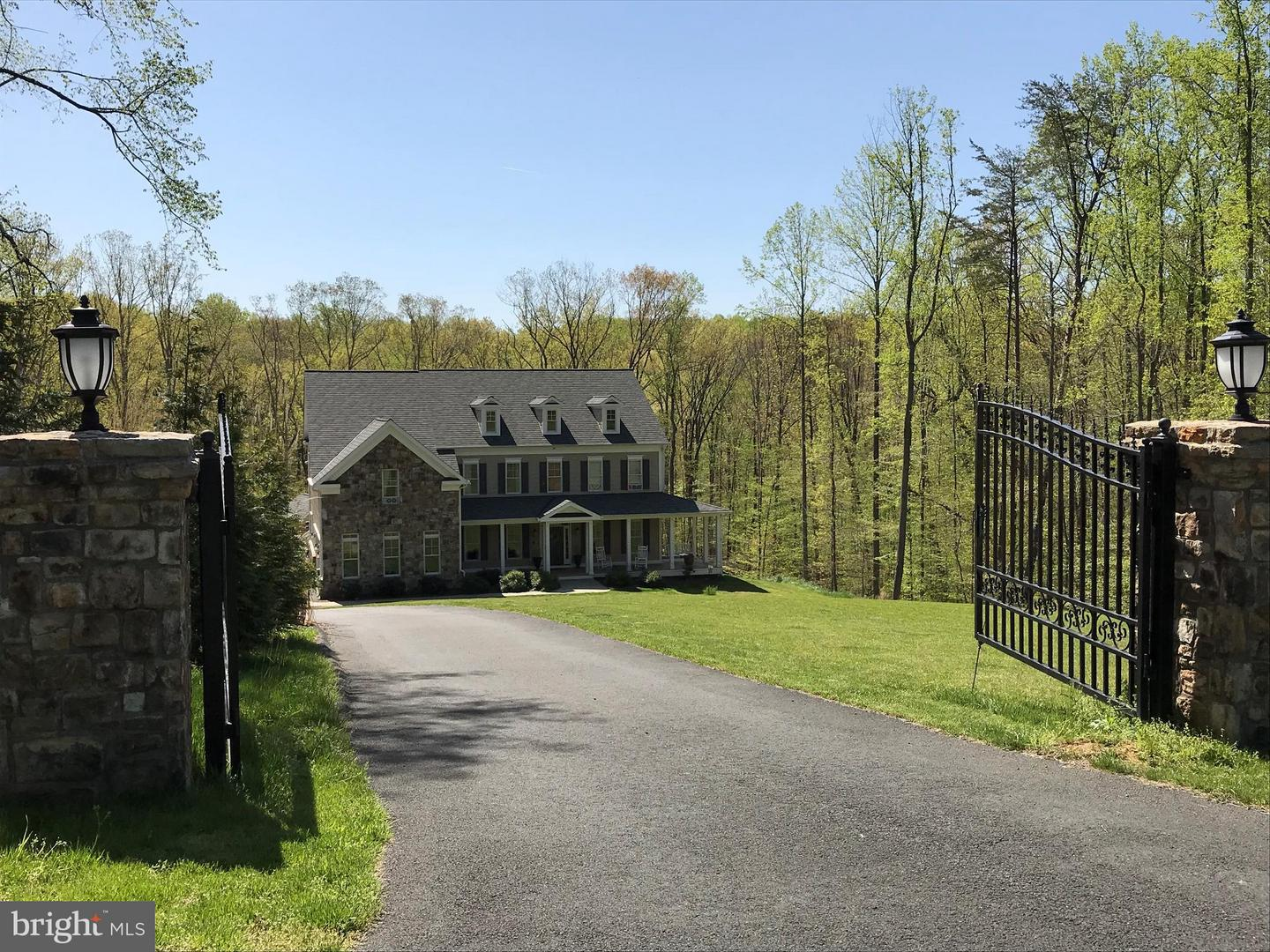 Single Family for Sale at 11604 Lawter Ln Clifton, Virginia 20124 United States