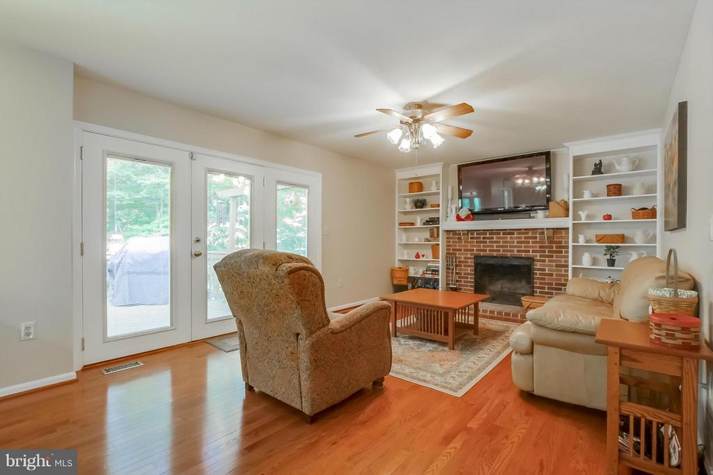 Family Room - 5 NEW BEDFORD CT, STAFFORD