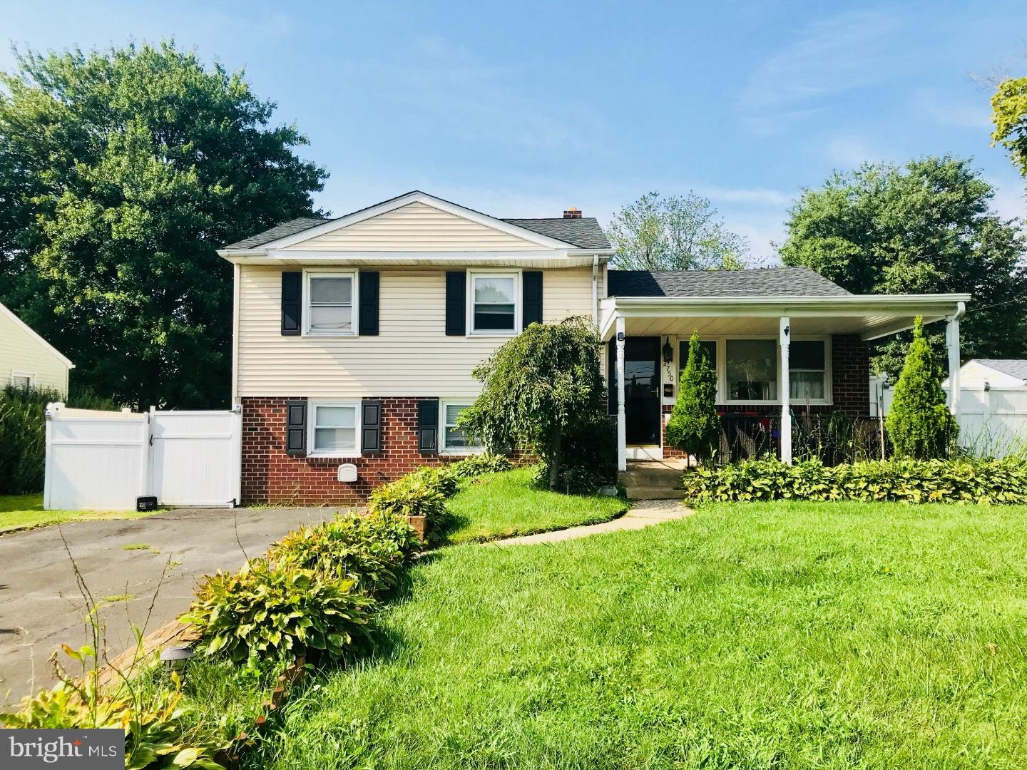 Single Family Home for Rent at 2750 E COUNTY LINE Road Hatboro, Pennsylvania 19040 United States