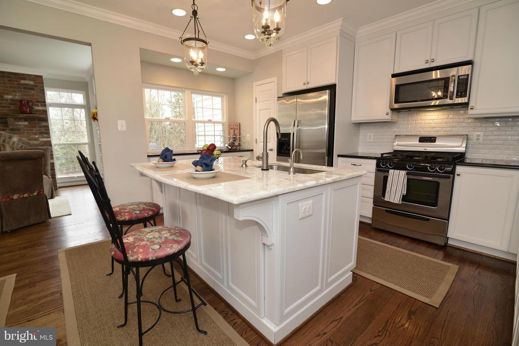 Kitchen - 12240 DORRANCE CT, RESTON