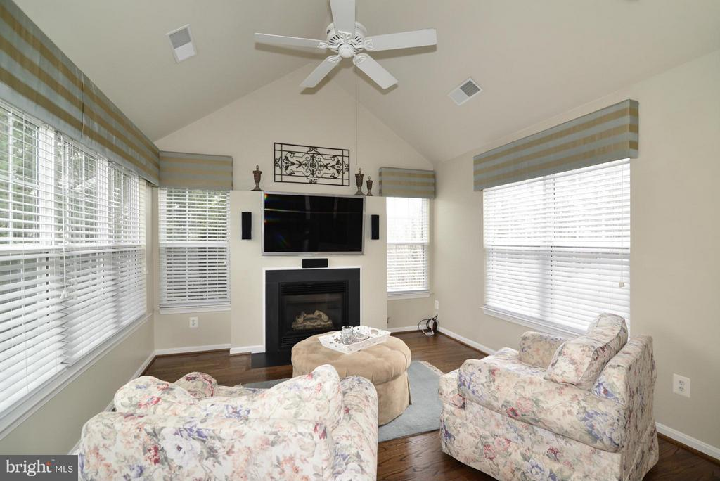 Master Bedroom Sitting Area - 12240 DORRANCE CT, RESTON