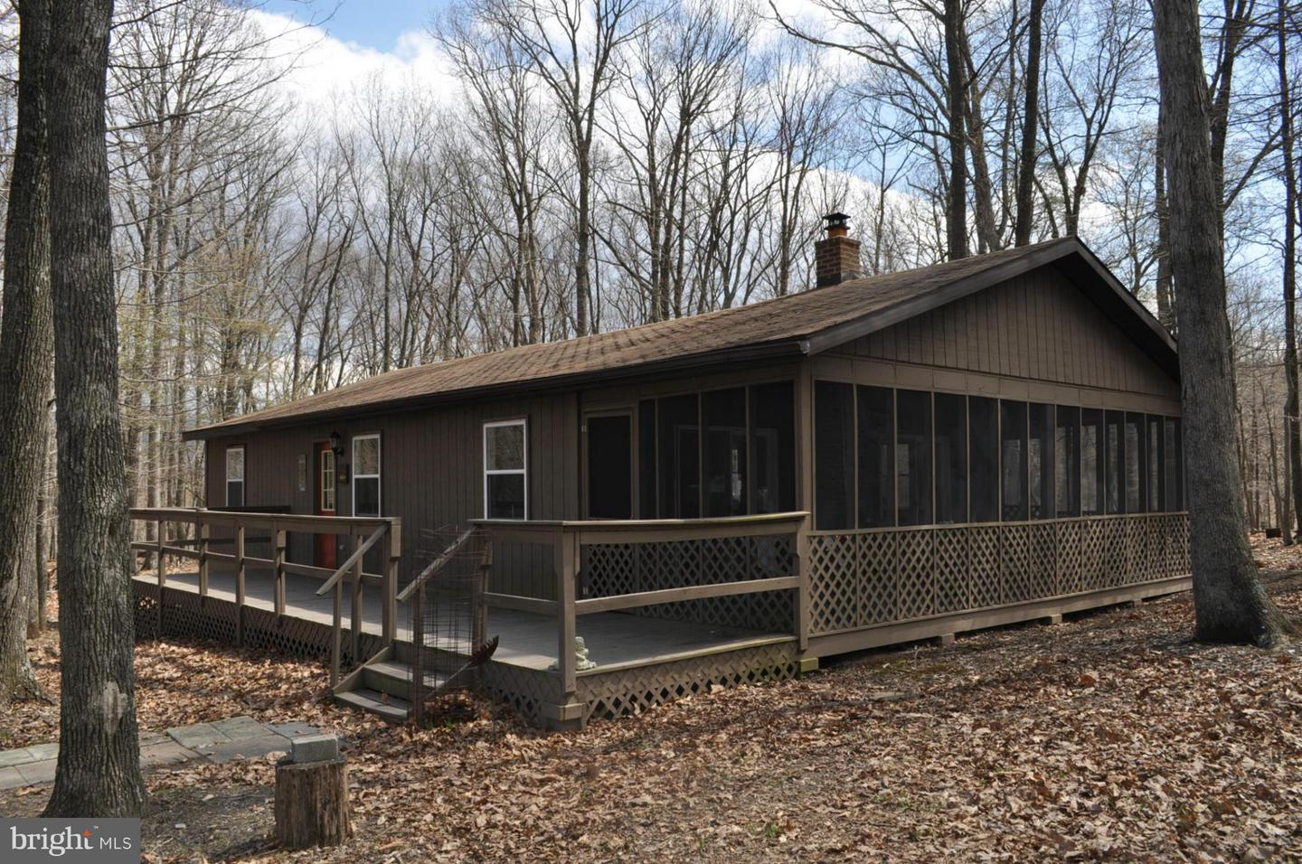 Single Family for Sale at 126 Moss Ln Great Cacapon, West Virginia 25422 United States
