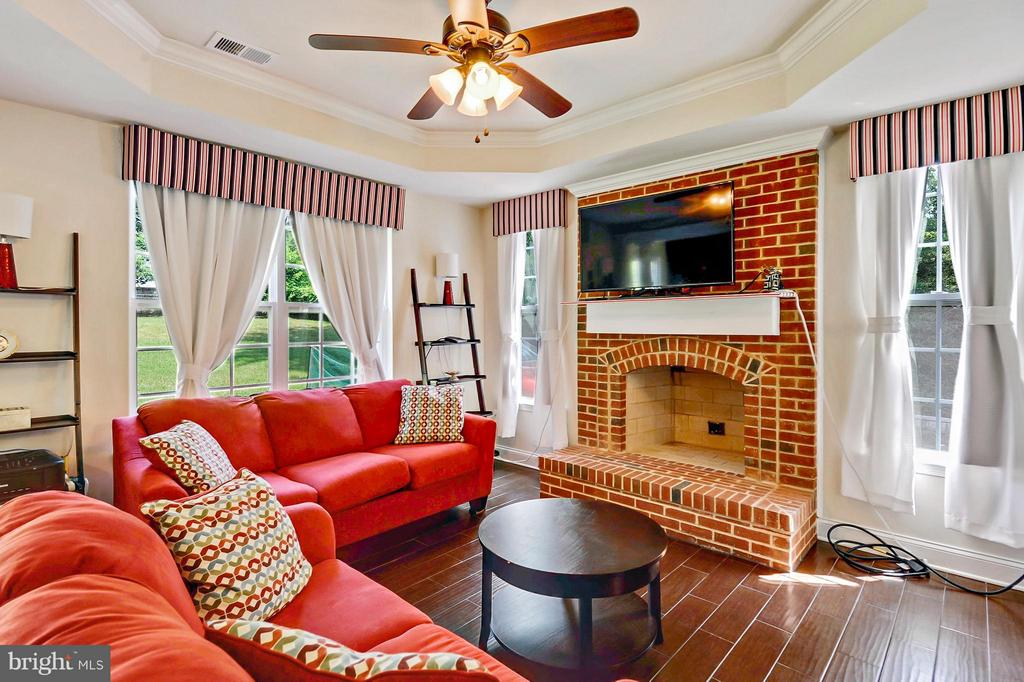 Family Room with Fireplace - 1206 JEFFERSON RD, FORT WASHINGTON