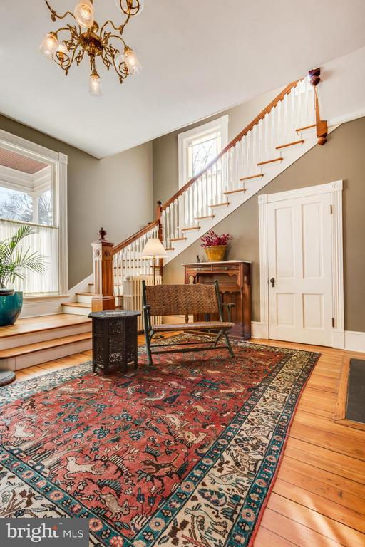 Entry Foyer/Front Stairs - 1108 CHARLES ST, FREDERICKSBURG