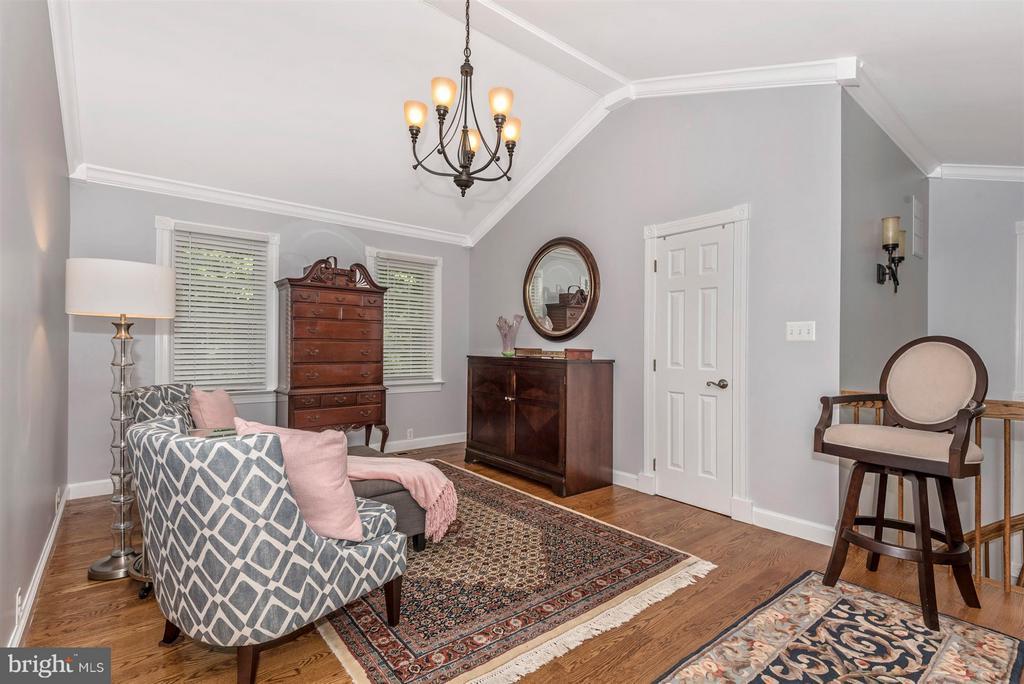 (Master) sitting room - 15901 NEW BEDFORD DR, ROCKVILLE