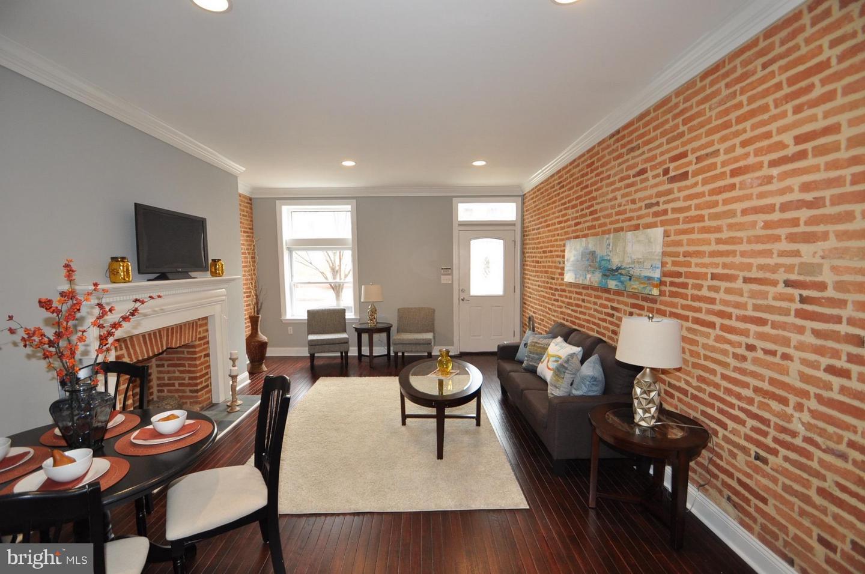 Single Family for Sale at 110 Washington St Baltimore, Maryland 21231 United States