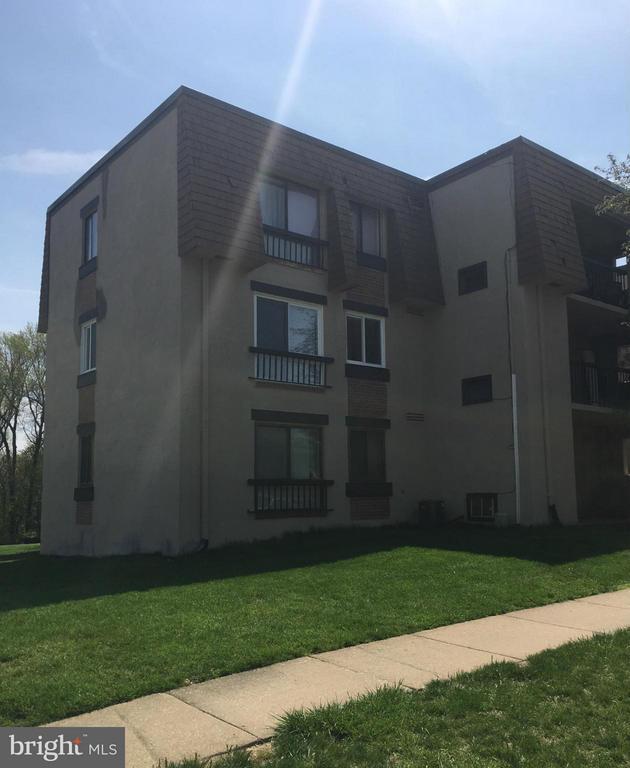 Second floor unit - 7950 SEVEN WOODS DR #D, ALEXANDRIA