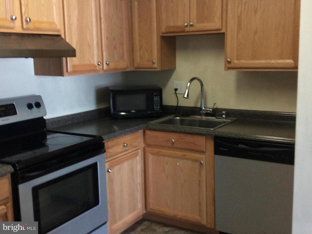 SS Appliances - 7950 SEVEN WOODS DR #D, ALEXANDRIA