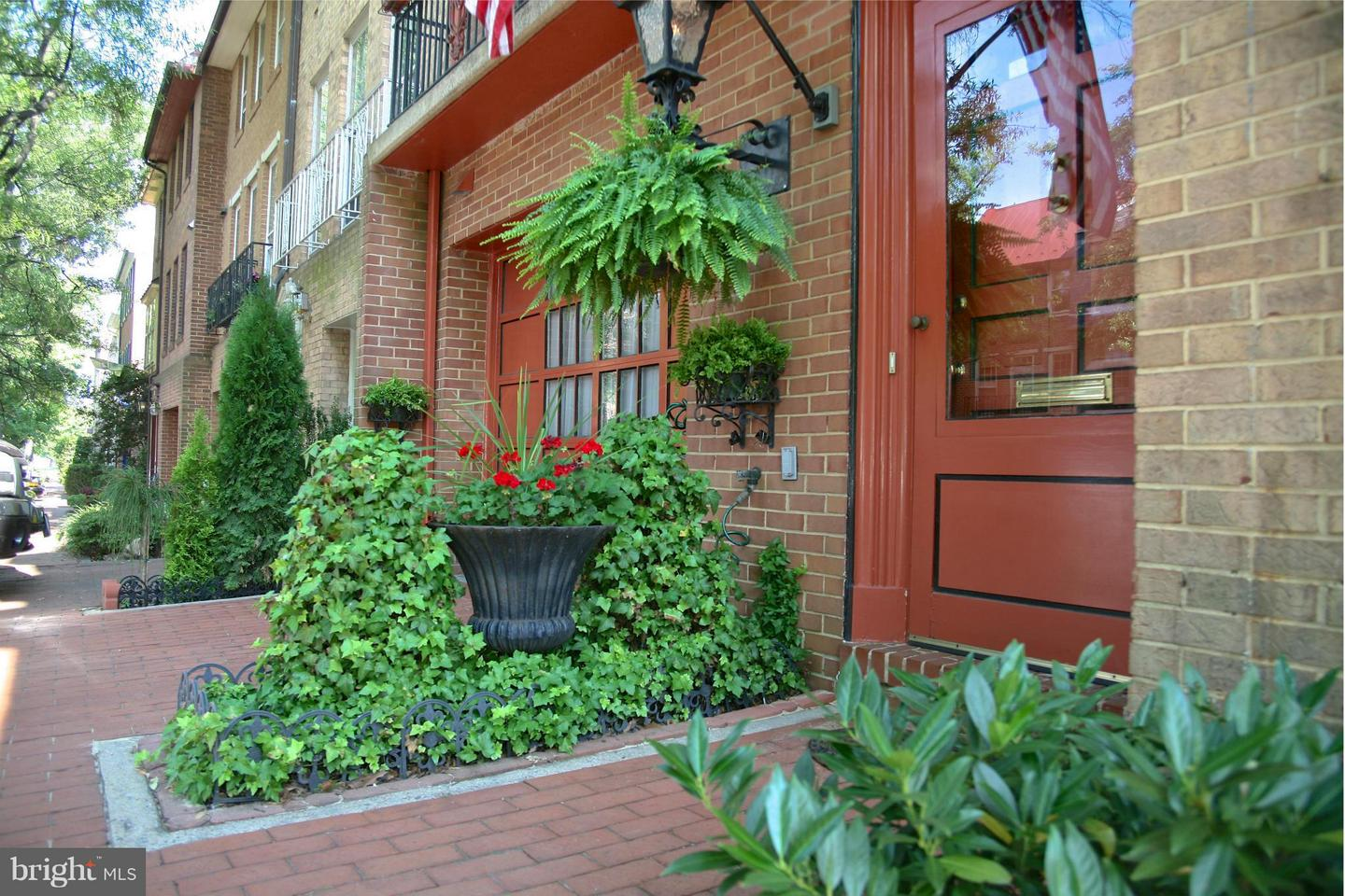 Other Residential for Rent at 122 Princess St Alexandria, Virginia 22314 United States