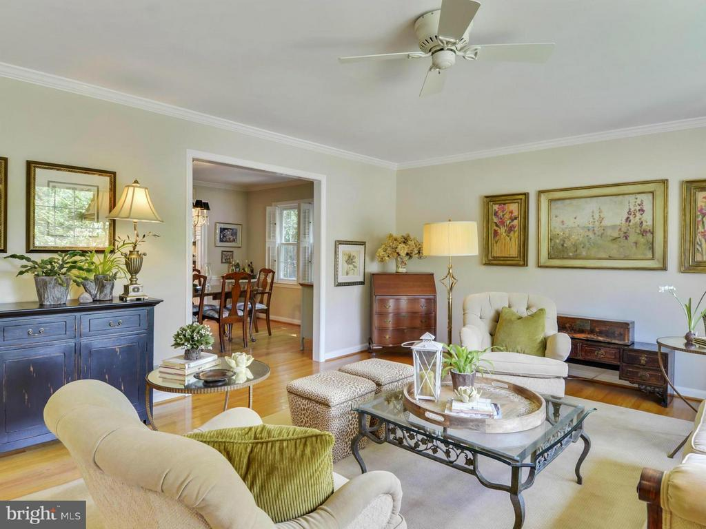 Living room opens to separate dining room - 3901 PINE BROOK RD, ALEXANDRIA