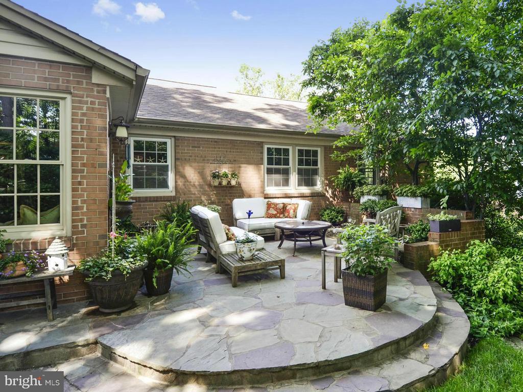 Private yard with custom terraced patios - 3901 PINE BROOK RD, ALEXANDRIA