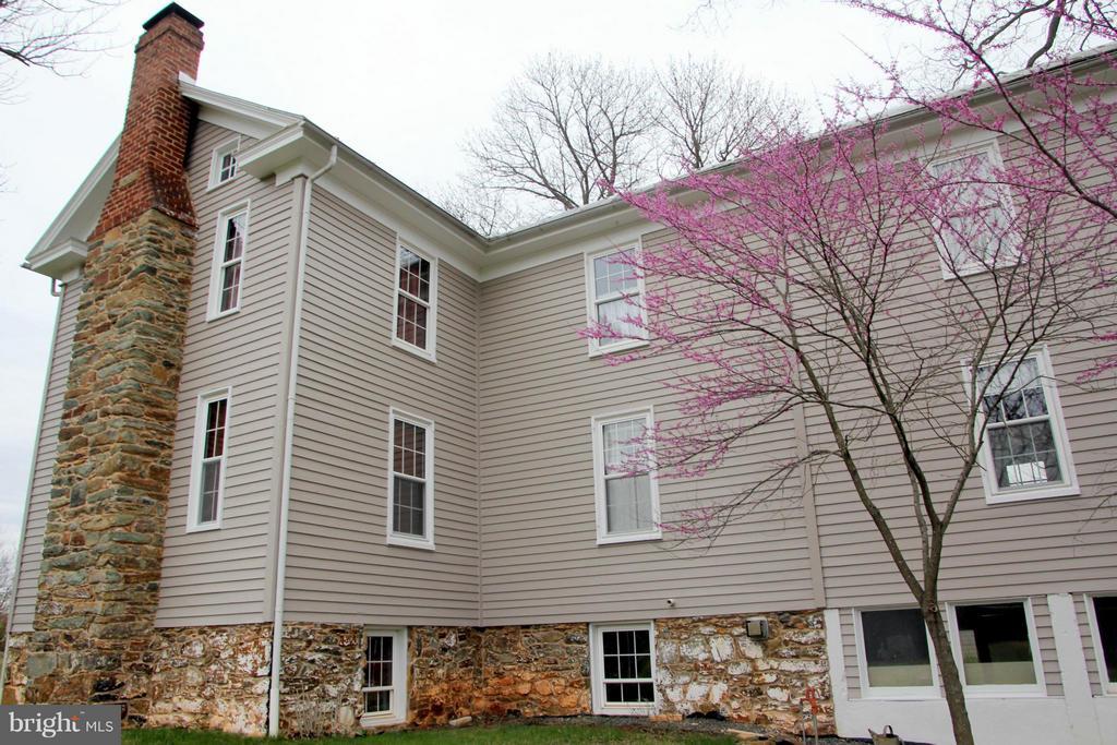 Exterior ( side) - 3374 TWYMANS MILL RD, ORANGE