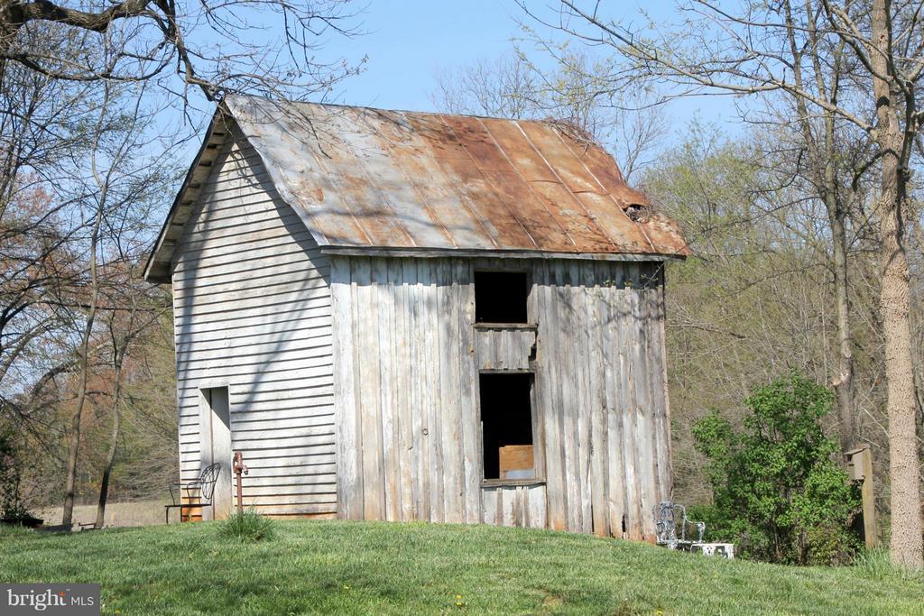 Old storage building - 3374 TWYMANS MILL RD, ORANGE