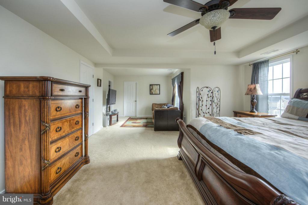 Bedroom (Master) - 3 FOUNDERS WAY, STAFFORD