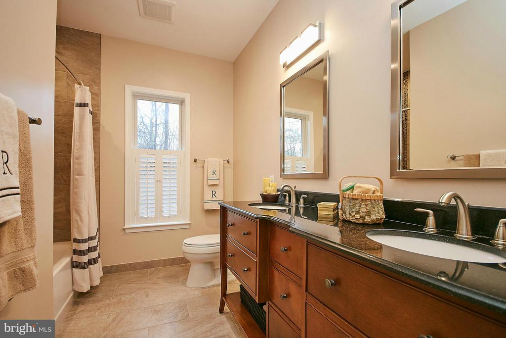 Bath - 10836 HENDERSON RD, FAIRFAX STATION