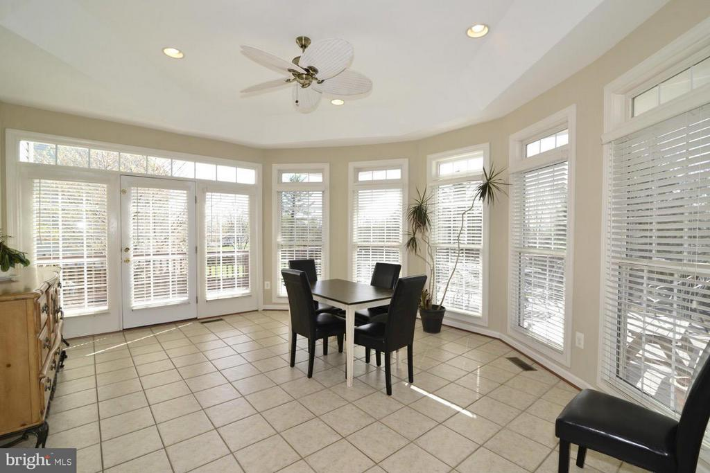 Sunroom with tray ceiling! - 20736 ASHBURN STATION PL, ASHBURN