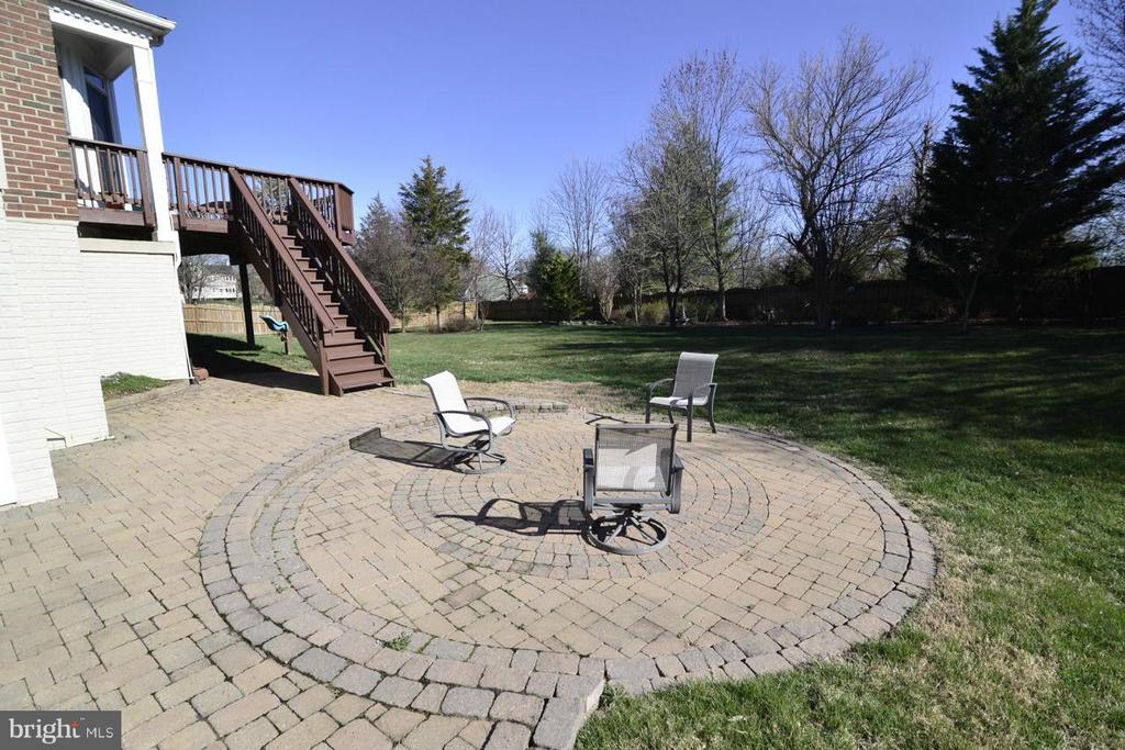 Custom patio - 20736 ASHBURN STATION PL, ASHBURN
